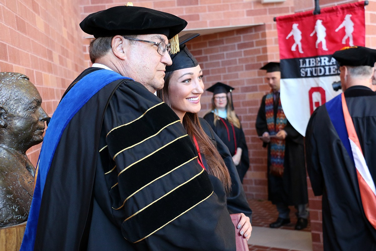 Student with Dr. Pappas at the Winter 2015 Convocation