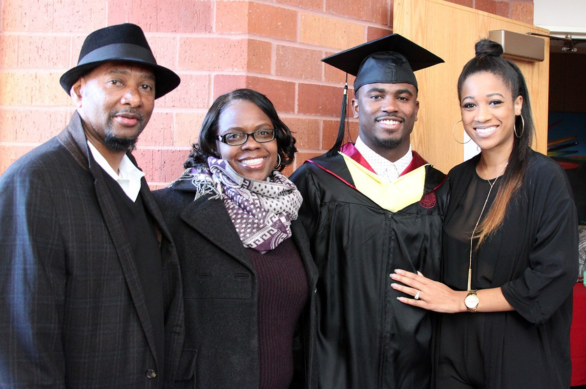 Students posing at the Winter 2015 Convocation